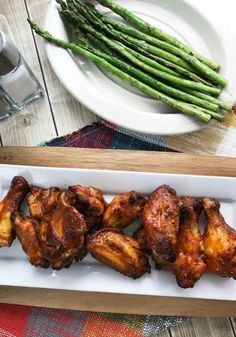 Keto Buffalo WIngs are a delicious chicken wing appetizer for your next party! These low carb chicken wings are easy, delicious, and a perfect treat at your next event. A great low carb appetizer recipe everyone enjoys! Low Carb Chicken Wings, Honey Garlic Chicken Wings, Baked Chicken Wings, Chicken Wing Recipes, Keto Chicken, Chicken Ideas, Thai Chicken, Fried Chicken, Low Carb Appetizers