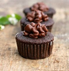 Homemade Chocolate Cupcakes with Frosting - Bunny's Warm Oven