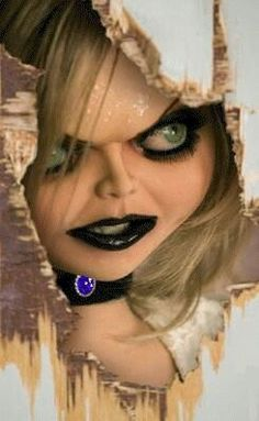 How does Tiffany Die in Bride Of Chucky and Seed Of Chucky? - Bride of Chucky Answers Horror Movie Characters, Horror Movies, Tiffany Bride Of Chucky, Chucky And His Bride, Chucky Tattoo, Chucky Movies, Childs Play Chucky, Horror Artwork, Horror Icons