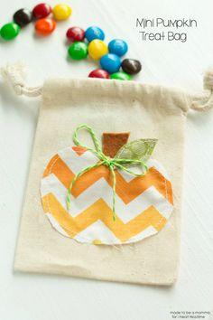 Mini Pumpkin Treat Bag on iheartnaptime.com