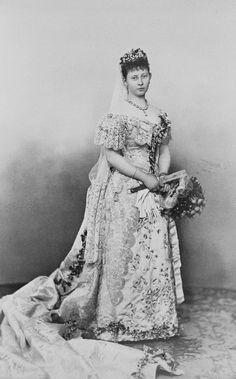 Queen Victoria´s grandaughters in wedding dress ....Margaret of Prussia