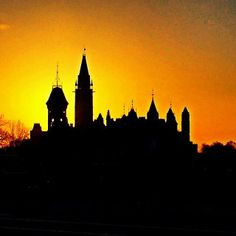 A silhouette of Parliament Hill in front of a stunning Ottawa sunset. For more information, visit www.ottawatourism.ca