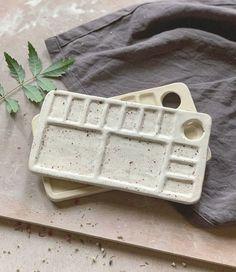 Ceramic Pottery, Pottery Art, Ceramic Art, Pottery Store, Ceramic Spoons, Slab Pottery, Ceramic Decor, Pottery Studio, Ceramic Mugs