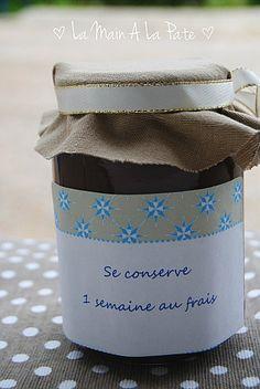 009 Cadeau gourmand : pâte à tartiner à la Pralinoise Cookie Do, Cookie Jars, Cadeau Grand Parents, Cookies Policy, Pinterest Blog, Drink Sleeves, Desserts, Scrapbooking, Kit