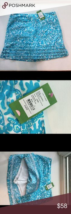 Lilly Pulitzer Skirt Size Above knee length. Built in shorts. Lilly Pulitzer Skirts Mini