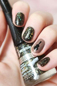 Guitar nail art