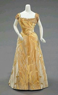 1899 ball gown from the House of Worth.