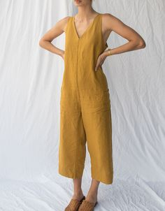 linen clothes Eye-catching in effortless Mustard our Scout jumpsuit is woven in pure French linen that will be loved for times to come. Sewing Clothes, Diy Clothes, Linen Dresses, Fashion Outfits, Fashion Tips, Color Fashion, Ladies Fashion, Modest Fashion, Fashion Fashion