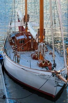 Take A Catamaran Sailing Charter – Room Enough To Move Around Classic Sailing, Classic Yachts, Wooden Sailboat, Wooden Boats, Yacht Design, Catamaran, Naval, Cool Boats, Yacht Boat