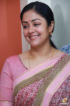 Jyothika at Kaatrin Mozhi Movie Pooja Beautiful Girl Indian, Most Beautiful Indian Actress, Beautiful Saree, Beautiful Actresses, Indian Actress Images, South Indian Actress, Indian Actresses, South Actress, Indian Natural Beauty