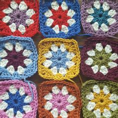 Check out this item in my Etsy shop https://www.etsy.com/uk/listing/452322714/daisy-granny-squares-pure-wool-10-25-50