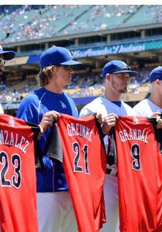 Yazmani Grandal #9 along with other Dodgers on thr all star team!