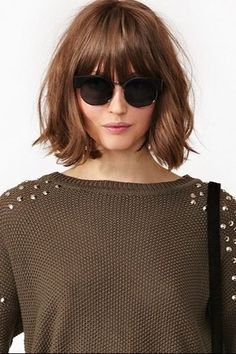 16 Ideas Haircut Bob Bangs Mom - Best Hairstyles for Women in 2020 Good Hair Day, Great Hair, Bob With Bangs, Bob Bangs, Medium Hair Styles, Short Hair Styles, Costume Noir, Hair Rinse, Hairstyles With Bangs
