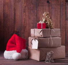 Frugal Student Tip 12: These 5 Free Holiday Gift Ideas can help take the stress out of holiday gift-giving.