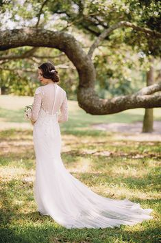 Elegant and playful Charleston wedding | Photo by Tim Willoughby | Read more - http://www.100layercake.com/blog/?p=84512