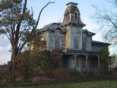 http://www.ihatemountains.com/images/news/haunted_manor.jpg