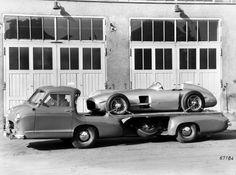 1954 Mercedes Benz Blue Wonder Transporter towtruck retro race racing d Mercedes 180, Classic Mercedes, Mercedes Benz Cars, Vintage Race Car, Vintage Trucks, Mercedes Benz Transporter, Classic Trucks, Classic Cars, M Benz