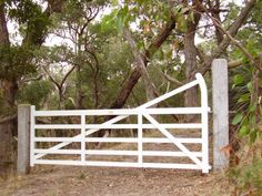 Country Gates traditional timber and metal gates enhance your property - Country Gates