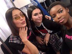 "9,047 curtidas, 23 comentários - Hadid News (@hadidnews) no Instagram: ""#BellaHadid, #KendallJenner and #MariaBorges backstage at Ralph Lauren Fall 2017. #NYFW"""