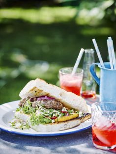Hummus, Sandwiches, Bbq, Pizza, Foods, Drinks, Party, Zucchini, Cilantro