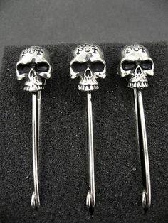 Skull Safety Pins
