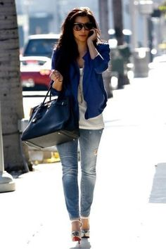 Love Kim kardashian's outfit nix the heels