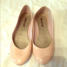 Cream Flats 7.5-8 wides. Worn once. TV: $12 Shoes Flats & Loafers