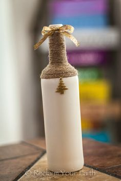 Holiday wine bottle craft idea. #winebottles #winebottlecrafts #giftideas