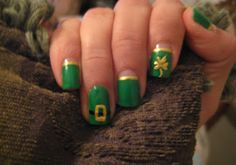 Cute Holiday Nail Art on a budget: easy St. Patrick's Day Nails