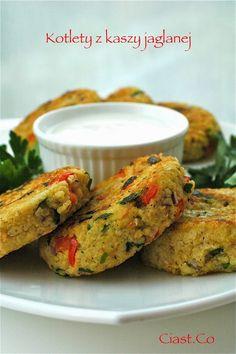 Ciast.Co: Zdrowe kotlety z kaszy jaglanej Clean Recipes, Snack Recipes, Cooking Recipes, Healthy Recipes, Vegan Recepies, Superfood, Vegan Vegetarian, Clean Eating, Food And Drink