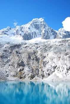 Peru, Huaraz, Santa Cruz Trek Mountain, glacier lake, Laguna l @perutravelnow