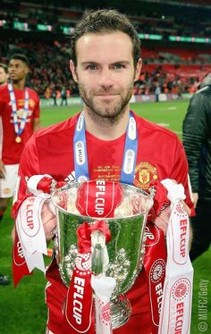 Juan Mata donates some of his wages to charity Manchester United Old Trafford, Manchester United Football, Manchester City, Soccer Pictures, Soccer Pics, Football Pics, Soccer Stuff, Man Utd Squad, Newcastle United Fc