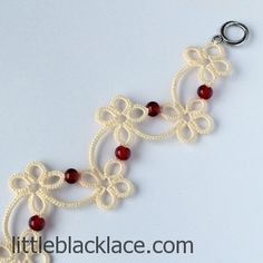 Unique tatted bracelet with toggle clasp