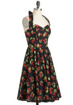 I love pin-up girl dresses. They're pretty much universally flattering for curvy ladies :)