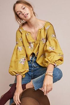 Anthropologie Gold New Danica Peasant Small Blouse Size 6 (S) Fashion 2020, Look Fashion, Girl Fashion, Womens Fashion, Winter Fashion, Blouse Styles, Blouse Designs, Boho Outfits, Fashion Outfits