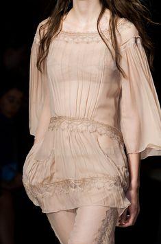 Alberta Ferretti at Milan Spring 2015 (Details)