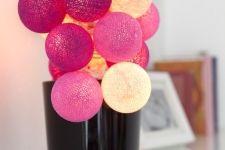 Rozsvícené Bobule v květináči. Beauty, Beauty Illustration