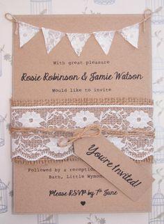 Foto 1 de 1 Invitación de boda en papel madera, con cordón de tela arpillera y encaje. Imagen | HISPABODAS