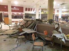 Situação da praça de alimentação de um shopping no Chile, após terremoto. Foto por @mjosepizarro.
