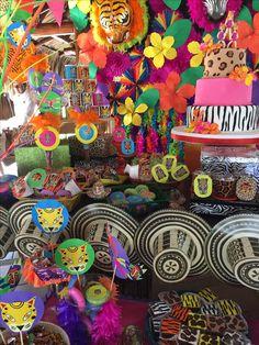 Fiesta carnaval de Barranquilla 2nd Birthday, Halloween, Party, Ideas, Carnival Parties, Neon Birthday, Birthday Party Themes, Sombreros, Parties