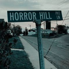 maybe a sign theyll see when arriving at the ghost town? Autumn Aesthetic, Aesthetic Grunge, Spooky Scary, Creepy, Imagenes Dark, Southern Gothic, Arte Horror, House On A Hill, The Villain