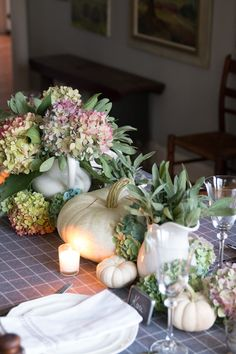 Five Easy Thanksgiving Table Ideas - Finding Home Farms Thanksgiving Table Settings, Thanksgiving Decorations, Seasonal Decor, Table Decorations, Centerpieces, Traditional Thanksgiving Dinner, Fall Table, Easy Home Decor, Farms