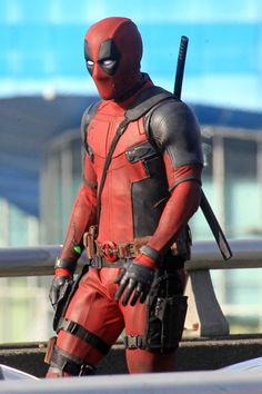 Latest DEADPOOL Set Photos And Video Show Ryan Reynolds Taking Aim In Full Costume Again