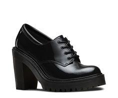 Dr. Martens à talons ! Les chaussures Salome tirent leurs origines du non-conformisme vestimentaire des années 1980. Le talon haut est suffisamment gros pour permettre de les porter toute la journée, tandis que la semelle à coussin d'air est conçue pour le confort. Essayez la version en cuir imperméable Patent Lamper. Notre gamme Fusion ponctue la ligne classique de quelques notes innovantes.