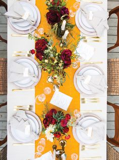 Table linens by Heather Taylor Home. Table decor and florals by Hollyflora, Casa de Perrin, and a personal collection from Simone LeBlanc. Calligraphy by Anne Robin.