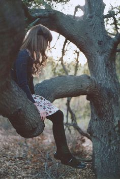 the clothes and hairbow are totally the wrong era, but I could picture Adele sitting in a tree just like this