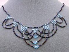 i like the style of this necklace pattern. it will look better if the color seed beads were black and white.