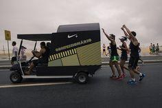 Peça: Confessionário Móvel Projeto: Rio Corre 10Km Cliente: Nike Ano: 2012 Agência: LiveAD