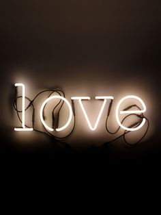 SELETTI - NEON ART LOVE WALL LAMP - LUISAVIAROMA - LUXURY SHOPPING WORLDWIDE SHIPPING