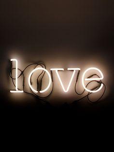 SELETTI - NEON ART LOVE WALL LAMP - LUISAVIAROMA - LUXURY SHOPPING WORLDWIDE SHIPPING